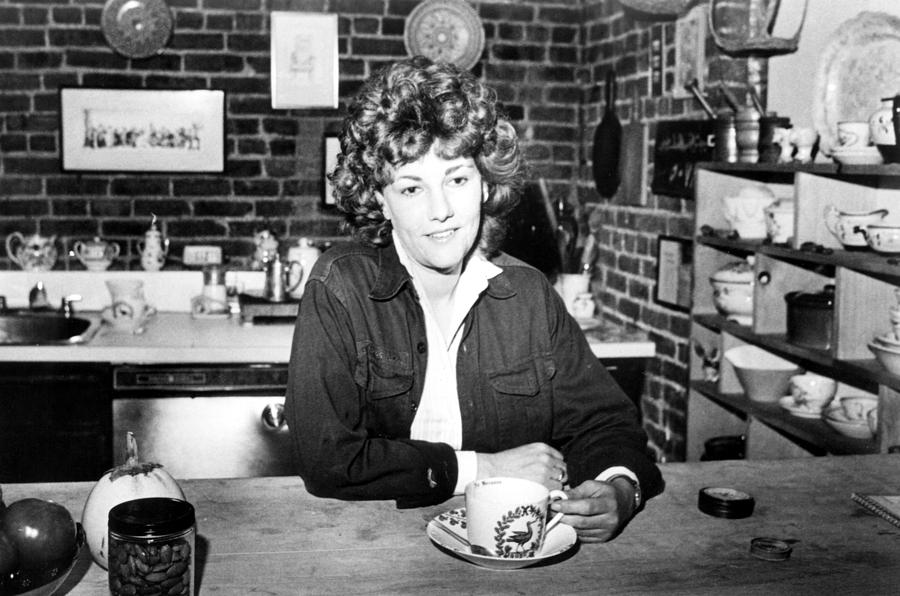 laurie-colwin-author-1978photo-everett.jpg