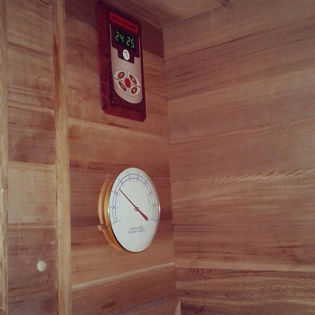 Sauna time ❤ #inferredsauna #heat #sorebody #beautytherapy #relaxing #beautytherapists