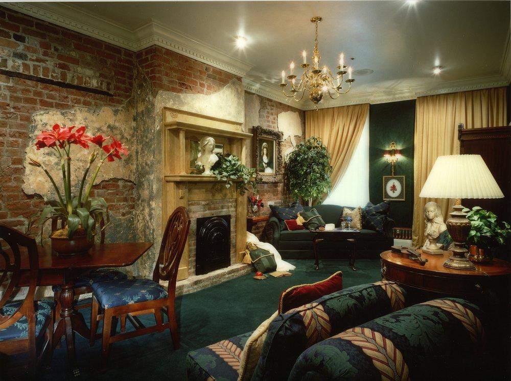 Nawlins Living Room MASTER.jpg