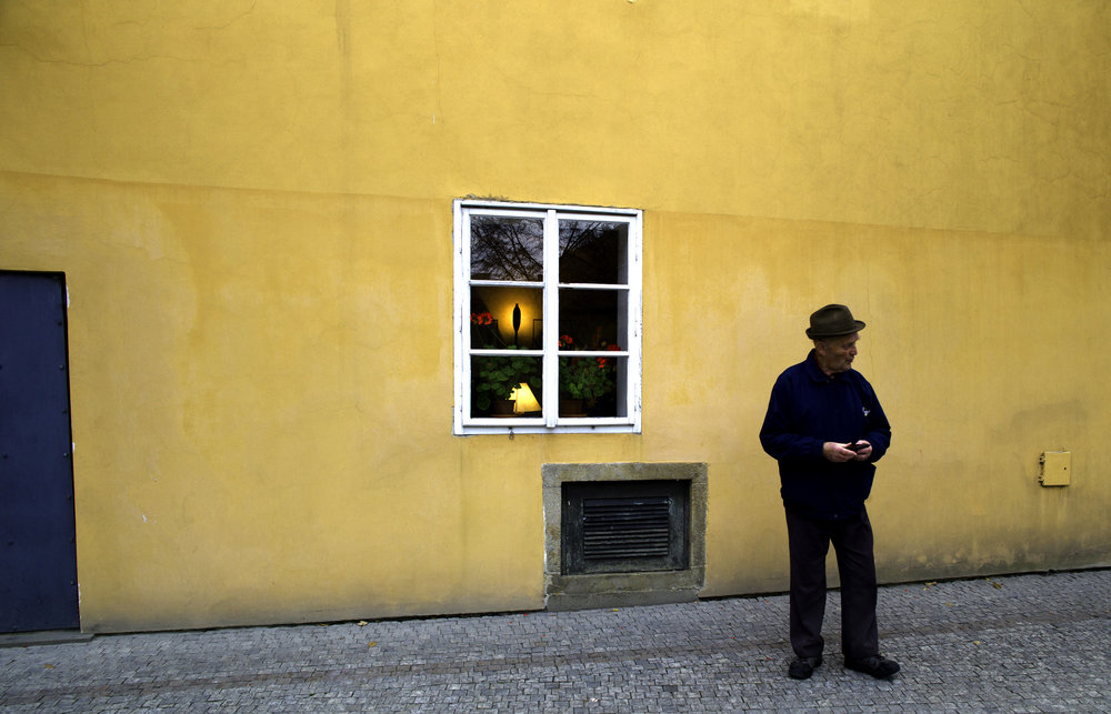2011_11_20_Prague_Castle_Wall-8.jpg