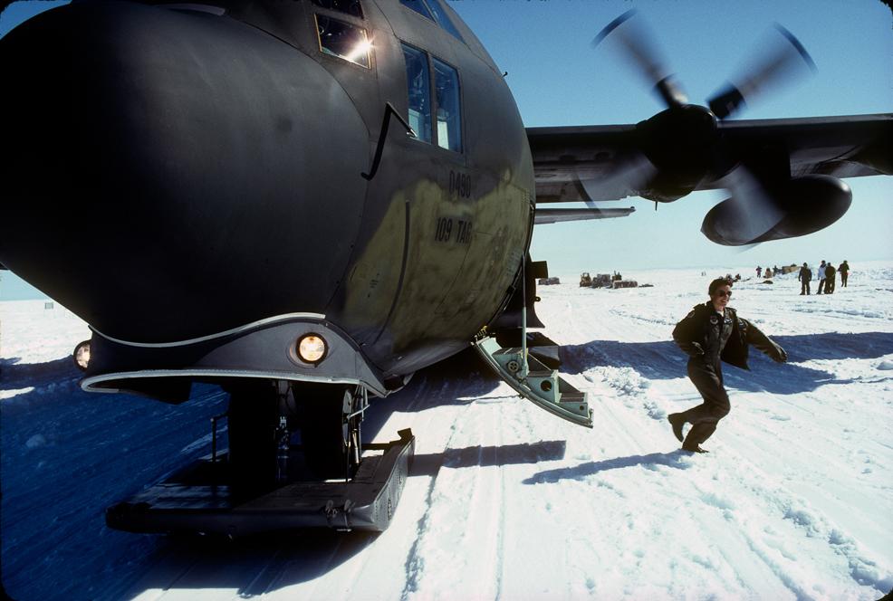 011_©1990_Leaving C-130.jpg