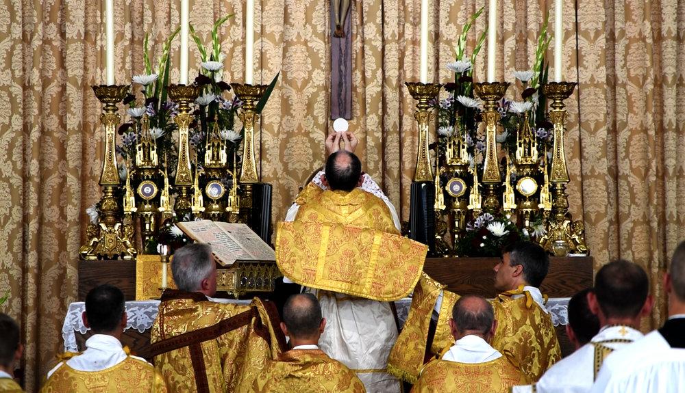 Tissier Eucharist.jpg