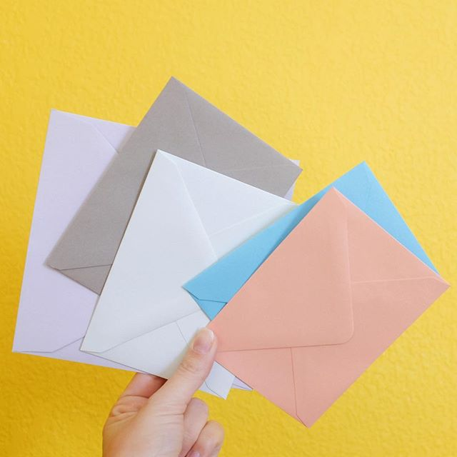 ✉️💛 . . . . . #snailmaillove #paperlover #pastels #sendmoremail #greetingcards