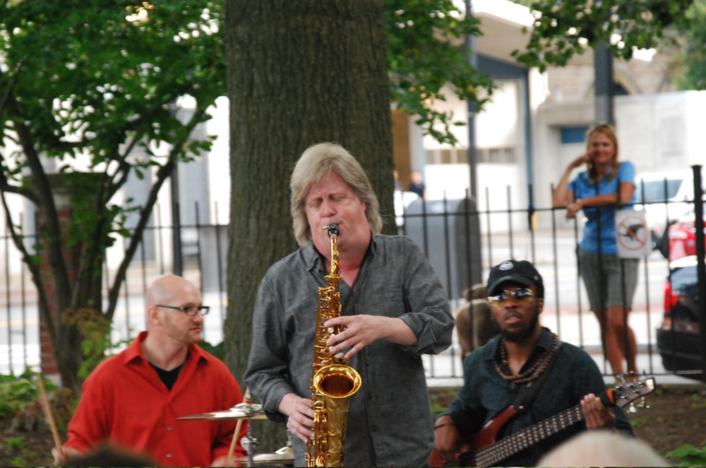 Pat Loomis alto-sax blow-out, with drummer Zeke Martin and Christof Glaude, bass