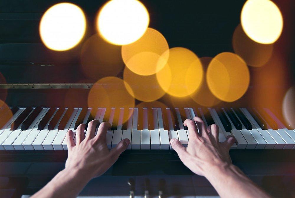 pianist-music-hl.jpg