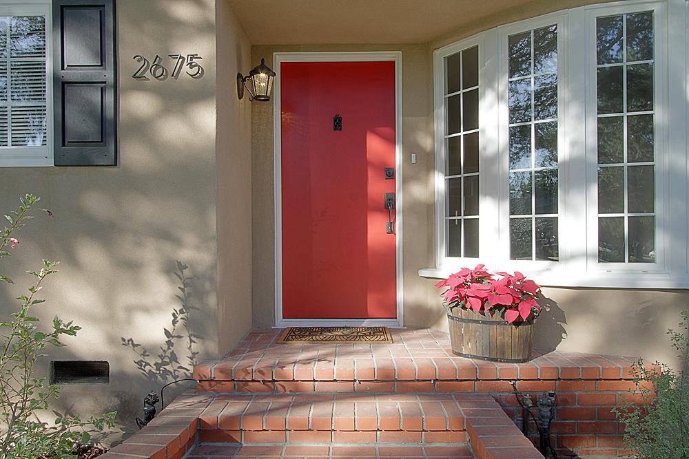 Las Lunas 2675 front door sm.jpg