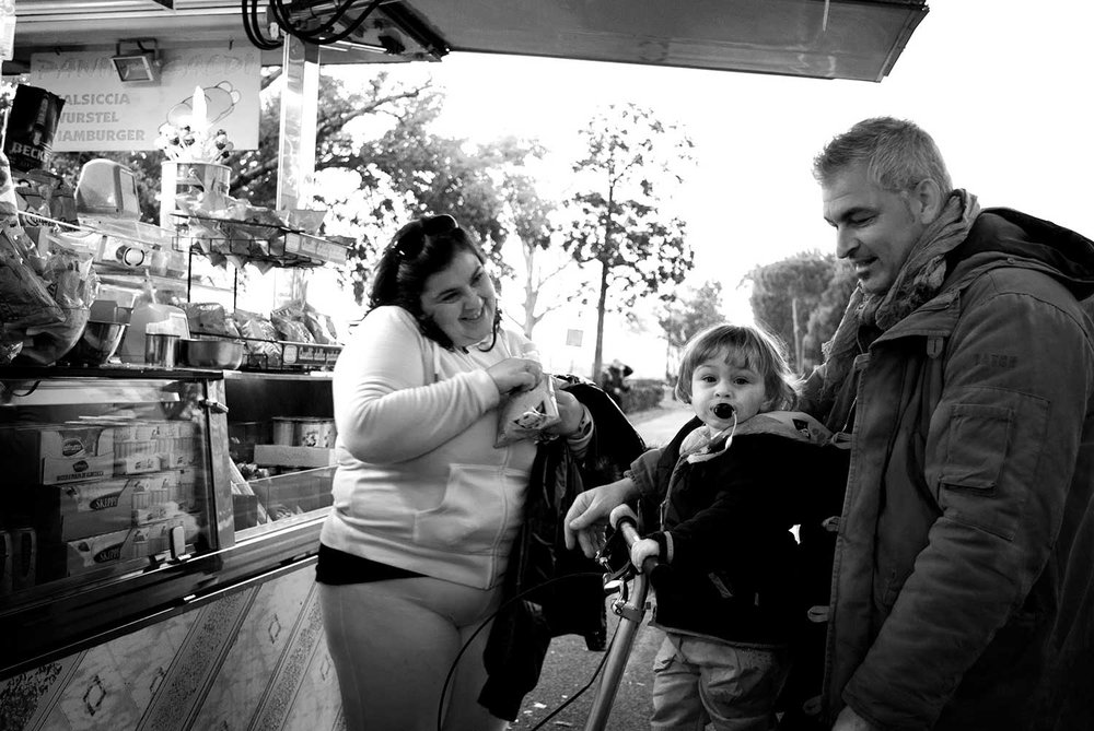 Florence-Family-at-Vendor_WEB.jpg