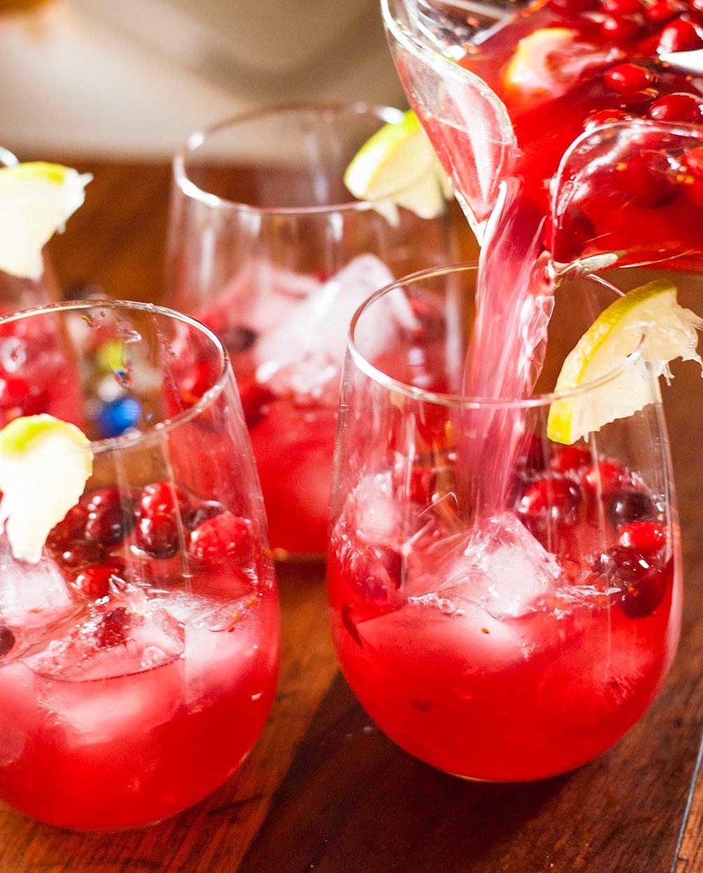 Thanksgiving-Drinks_WEB.jpg