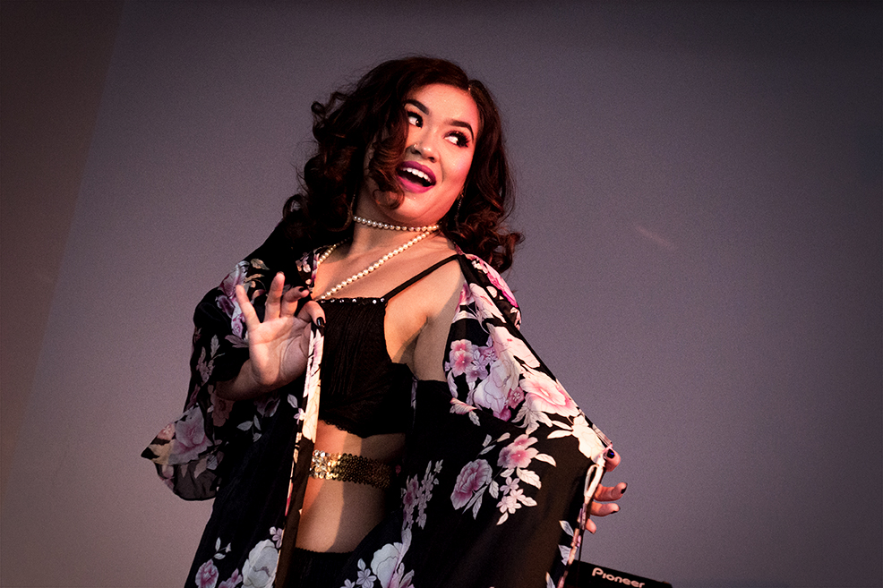 Burlesque Dancer 2_WEB.jpg