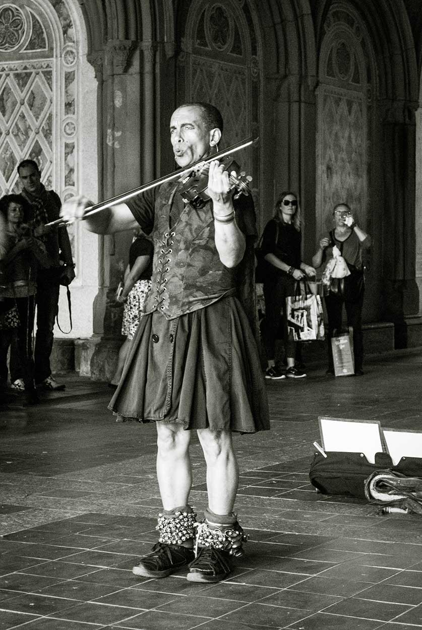 NYC-Street-Performer-Violin_WEB.jpg
