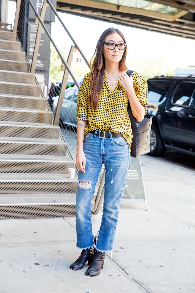 Street-Style-NYFW-Spring-Summer-2017-Rosie-Assoulin-Man-Repeller-17.jpg