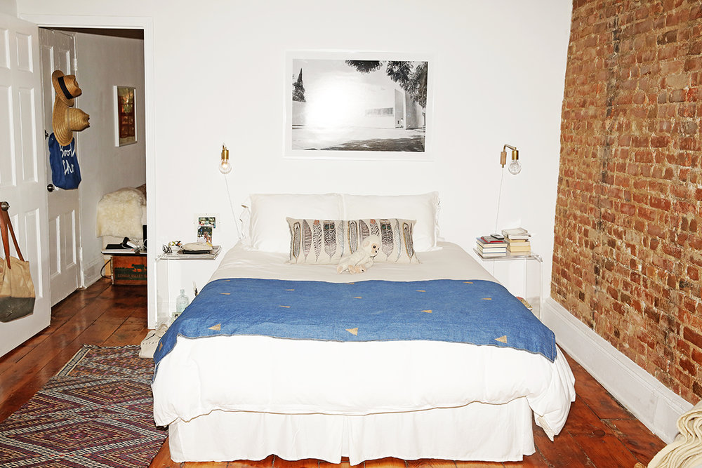 Lizzie-Fortunato-Apartment-Man-Repeller-48.jpg