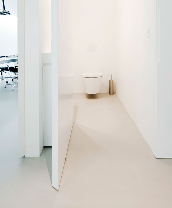 FritsJurgens_InteriorDoor_Bathroom.jpg
