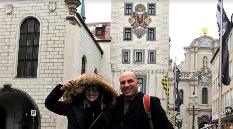 HH arrive in Munich.JPG