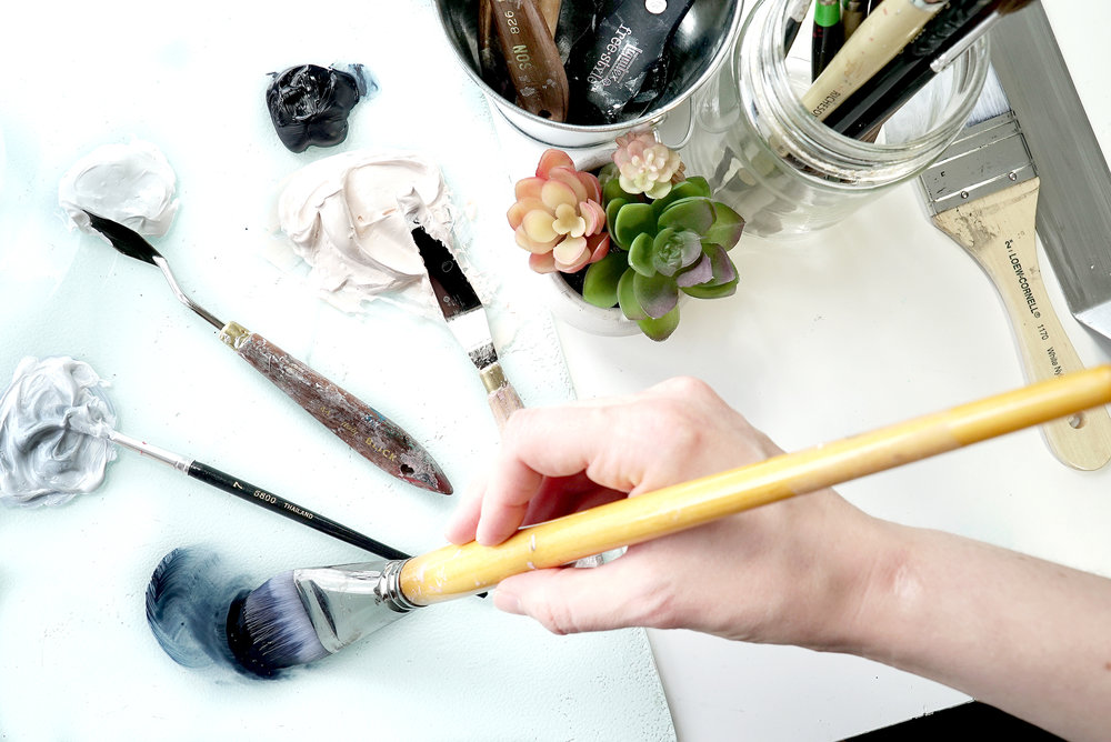 Sarah Lund Art Pallette Hand at work
