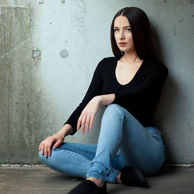 Model: Amber Howard