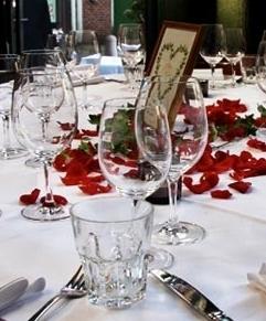 feiern im eisenstein - > 15-1500 PersonenHochzeiten / Geburtstage / Jubiläen / Firmenfeierngesetzte Essen (Menü / Büffet)Stehparty / (flying) Büffet / FingerfoodEvents / Präsentationen in Verbindung mit den ZeisekinosGroßveranstaltungen im Eisenstein und den ZeisehallenNähere Informationen telefonisch:☏ 040 / 390 46 06oder via E-MAIL