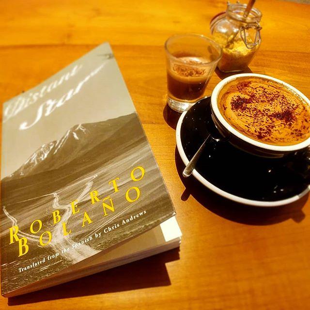 PERFECT DAY OFF . . . . . . . . . . #srilankatour #SriLanka #colombo #hotchocolate #darkchocolate #kopikade #coffee #bolano #spanishliterature #dayoff #classicalguitarist #tourlife #travelingmusician #read #bookrecommendation