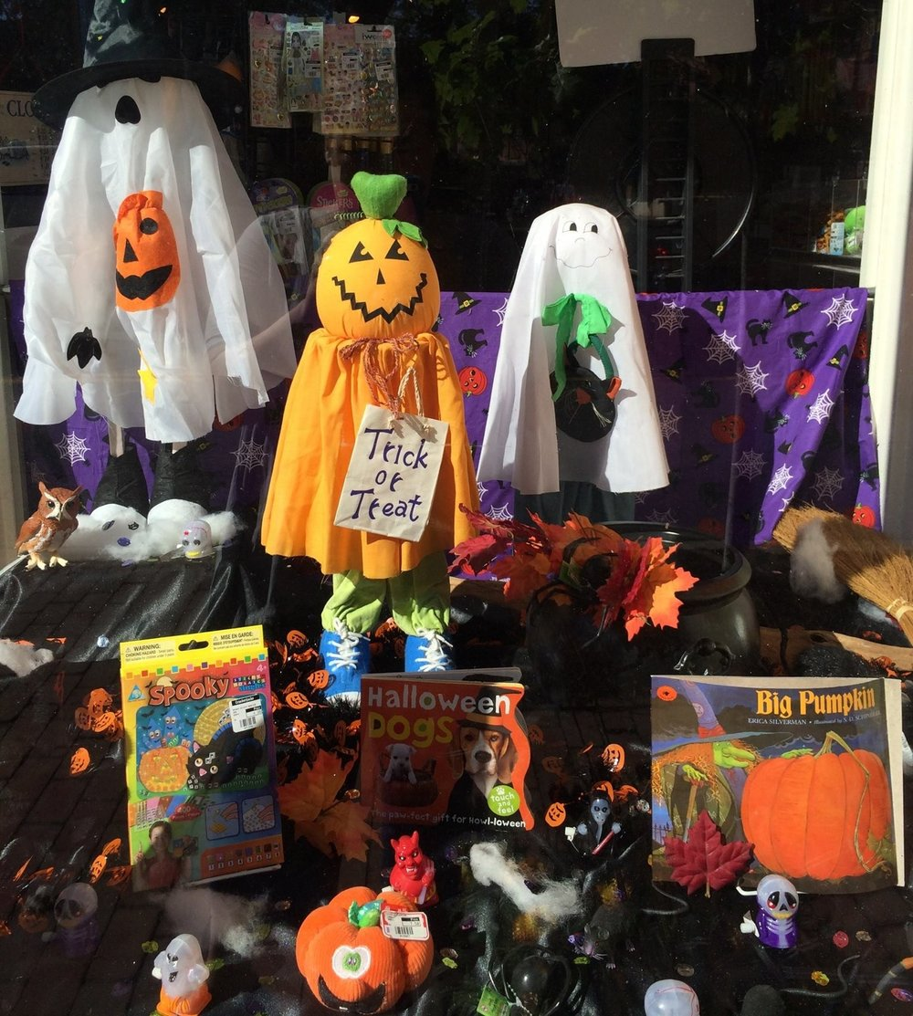 Halloween Costumes & Toys