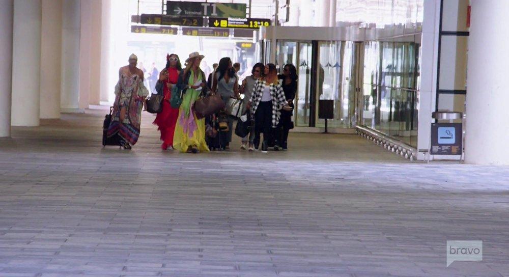 airport girls.jpg