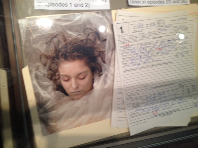 Prop -- crime scene photo and autopsy report of Laura Palmer's murder