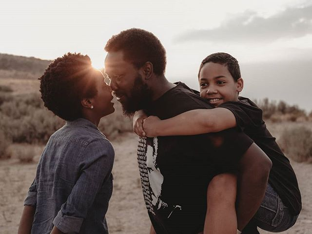 I had an opportunity to capture this beautiful family in Salt Lake and it was pure magic.  Does this photo give you all the feels or what? . . . . . #family #familylife #love #blacklove #marriedlife #melaninpoppin #durm #blackphotographer #photography #durhamphotography #blackjoy #durhamphotographer #blackisbeautiful #saltlakephotographer #theblackmancan #fallingblackinlove #blackphotography #fujixt20 #xt20 #35mmwr2