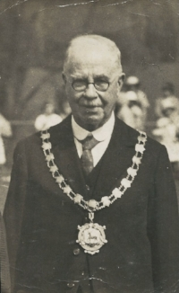 John Bly, James' Great Grandfather. Mayor of Tring c 1920