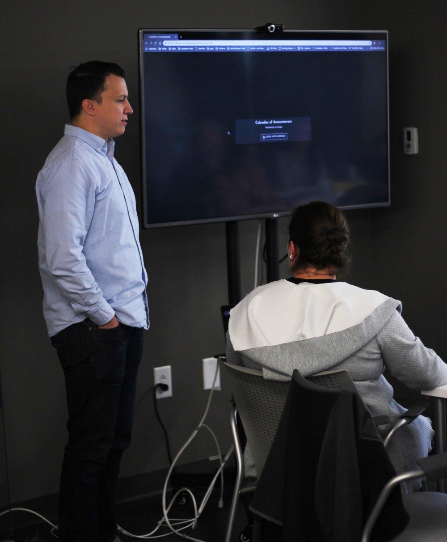 Jonathan Hairgrove shows us the beta-app he has been creating.