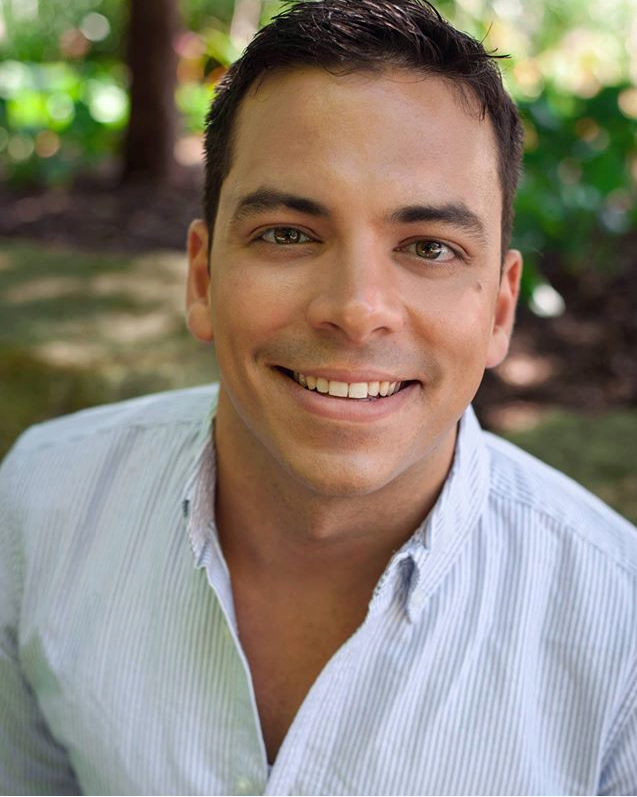 Anthony Rodrigues Baritone Toronto based Baritone, Anthony Rodrigues can be seen this season returning to Abridged Opera Company as Guglielmo in Così fan tutteand with Vera Causa Opera as Masetto in Don Giovanni.Originally from Montréal, Québec, Anthony's recent operatic credits include The Sergeant of Police in Gilbert and Sullivan's The Pirates of Penzance,Mr. Gobineau in Menotti's The Medium, Peter in Humperdinck's Hansel and Gretel, Papageno in Mozart's Die Zauberflöte, Sulpice in Donizetti's La fille du régiment, Colline in Puccini's La Bohème, Will Parker in Rogers and Hammerstein's Oklahoma!, The Gamekeeper in Dvorak's Rusalka and Le premier ministre in Massenet's Cendrillon.He has been engaged by festivals and companies including Shoestring Opera, Toronto Operetta Theatre, Golden Classical Music Society,Opera Nuova, Halifax Summer Opera Festival, Vox Musicae, Accademia Europea dell'Opera,Opera in Concert, Vera Causa Opera and Abridged Opera Company. Anthony's passion to perform has brought him to the stage in the style of musical theatre, classical ballet, oratorio and art song.