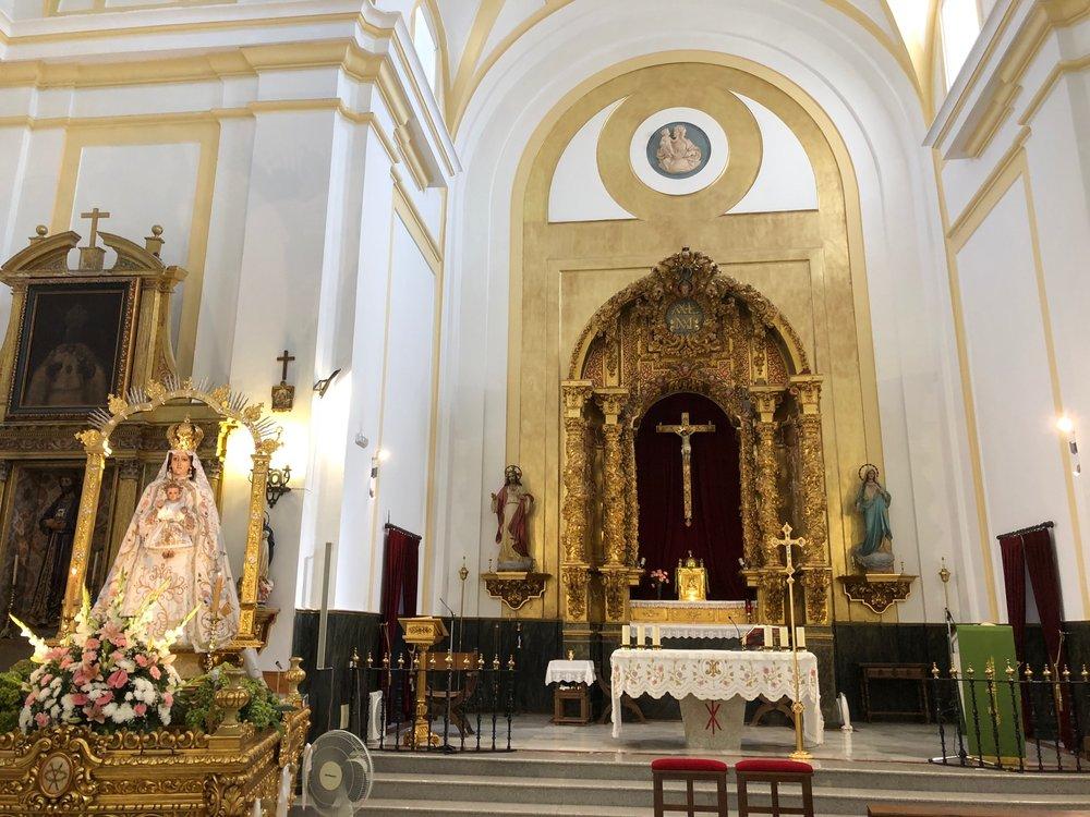 INTERIOR OF BURGULLOS DE TOLEDO CHURCH