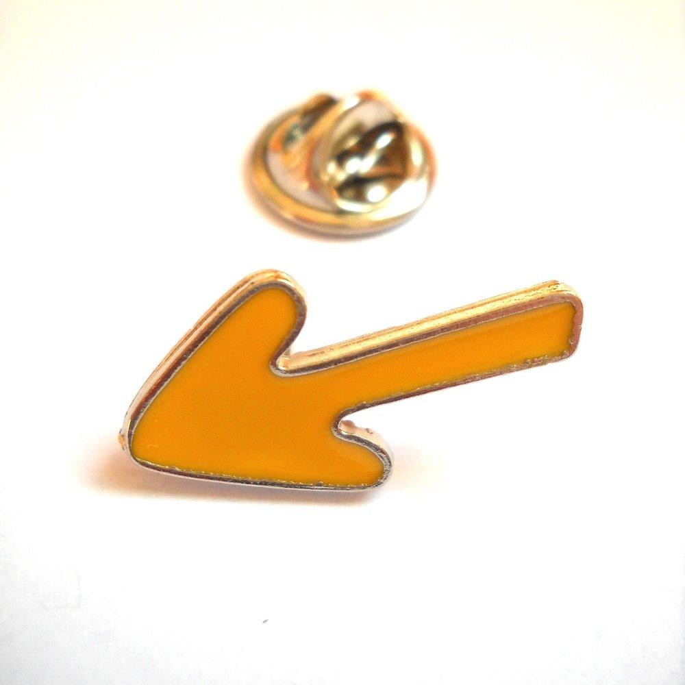 Camino Arrow Lapel Pin (Click through)