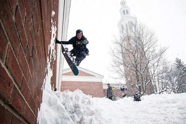Powe day ftb // @splintersvt @powe.snowboards @uvmst // #n3r #yogrammies #ridepowe