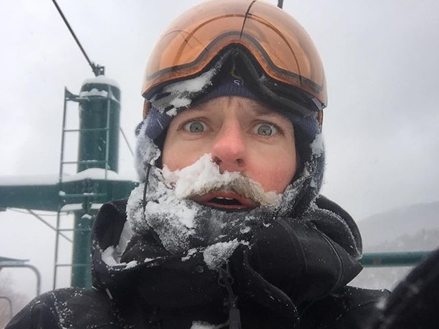 First run sucked. Don't even bother comin, it's not great. #holyhats #itsdeep #wesnowboard