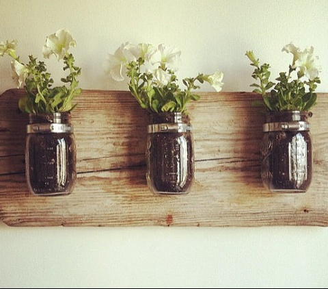 http://www.smartcalgaryhomes.com/blog/indoor-gardening-diy-planters.html