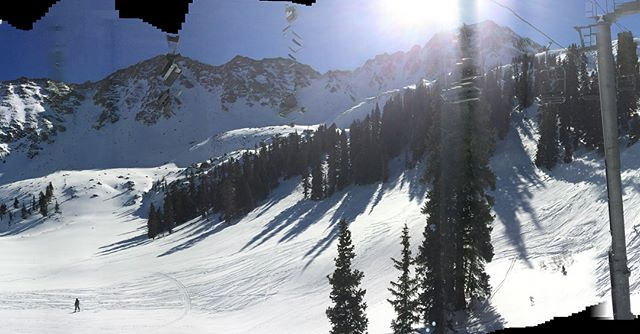 Had a sick day at @arapahoe_basin today with you guys! @canyon_deluca @devankelley @d_kelley7 #nofilter #continentaldivide #summit #colorado #goodday @powe.snowboards