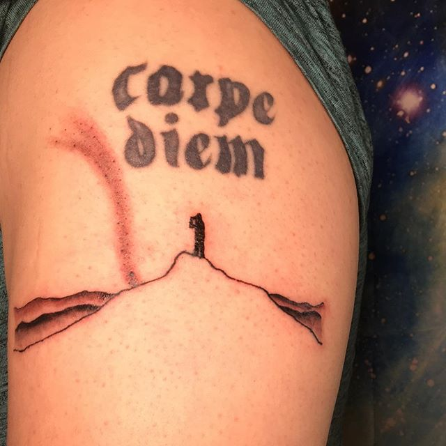 Added a little mountain scape to @diego_vt_rendon's upper arm today! Thanks a bunch man. • Carpe diem not mine! • #thisshitisfun #worldfamousmonkeyhousecustoms #tattooapprentice #tattoo #stars #milkyway #practicemakesperfect #gettinbetter #tattoostyle #inked #inkedmen #draw #customtattoo