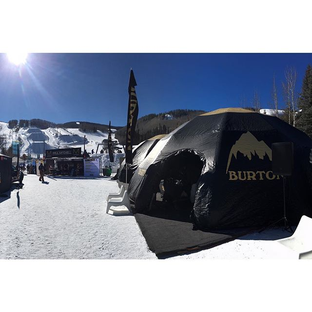 Spinning screws in the demo tent, thanks for the good times this week @burton_northwest @burtonsnowboards •  What a crew, you all know who you are 🧰