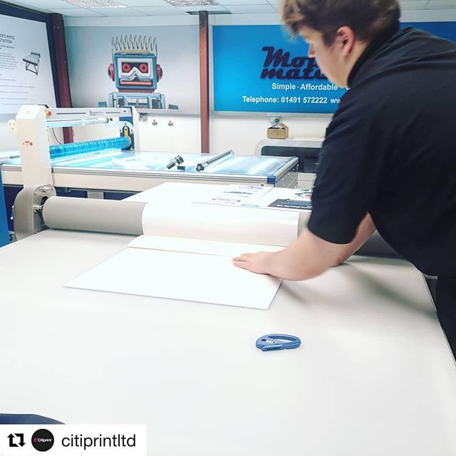 It was great to have you guys down! . . . #Repost @citiprintltd ・・・ Apprentice in action - great afternoon down at @mounters_mate to see the Smartstation which we know will enhance our offering, speed and efficiency tenfold. Huge thanks to  Omar and Craig - amazing team.  #mountersmate #workbench #flatbed #application #signs #foamex #citiprint #wideformat #largeformat #display