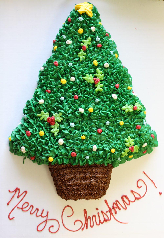 Merry Christmas Tree Cake