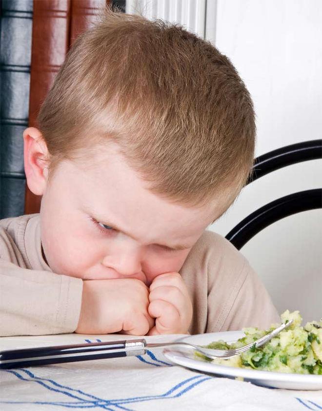 kid-eating-veggies-101124-02.jpg