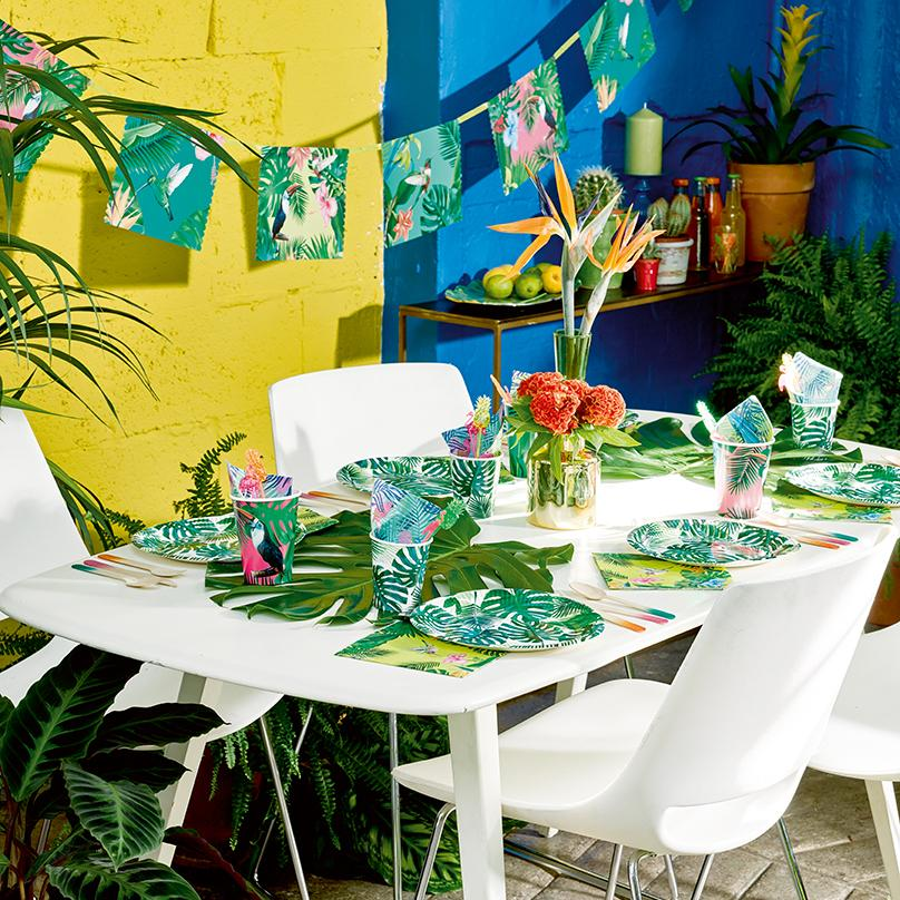 TRopical tablescape.jpg