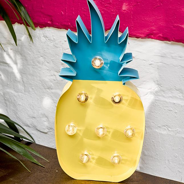 Tropical pineapple.jpg