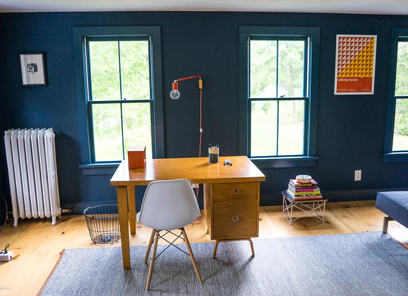2015-10-10-wall-chair-room3.jpg