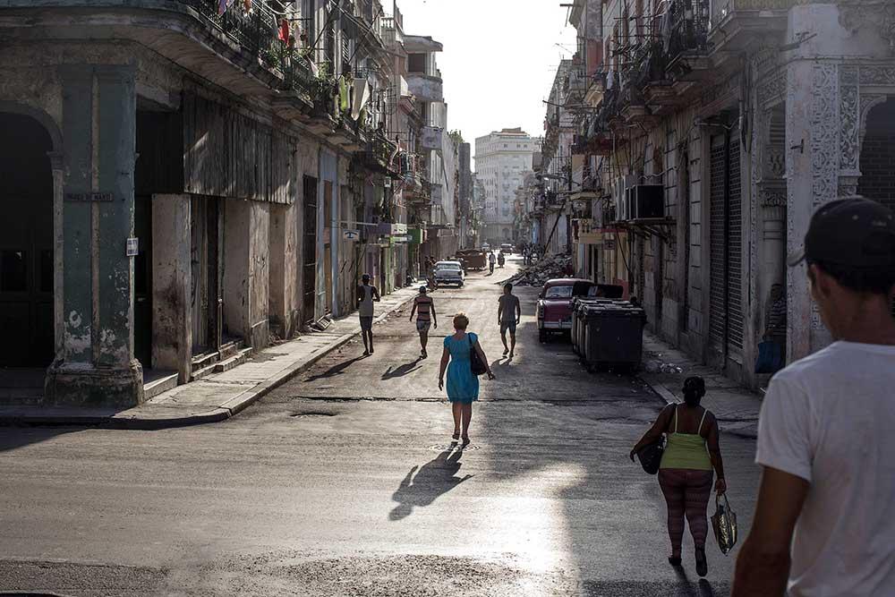 Moe_Zoyari_Cuba50.JPG