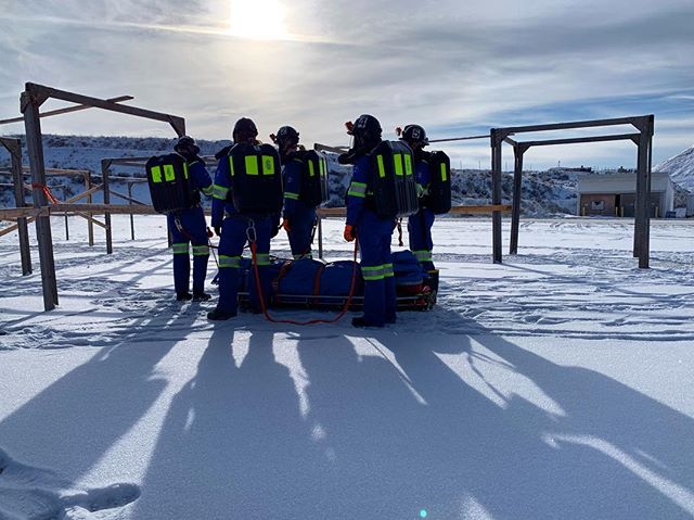 Training is snow much fun! ❄️ . . . . #ubcminerescue #funfact #minerescue #ubcmining #engineering #ubc #mining #mine #fire #firerescue #rescue #firstaid #fun #photography #beautiful #photooftheday #team #teamwork #followers #followme #vancouver #instagood #love #blue #sky #snow #girl #girls
