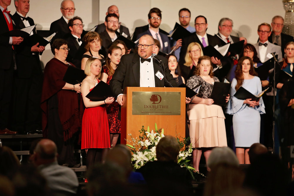 Artistic Director David Cherwien addresses the 2018 Gala guests on April 15, 2018.