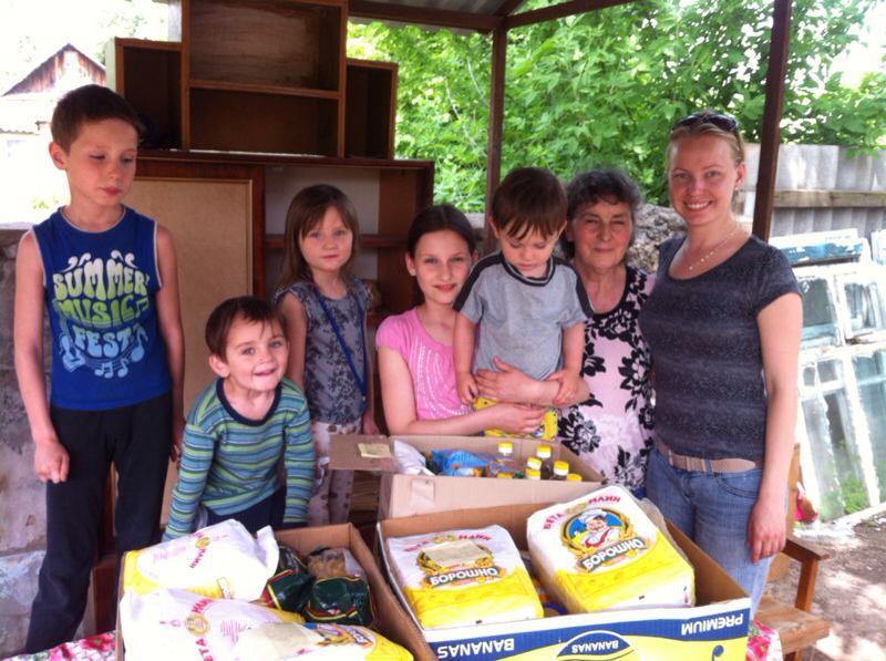 Slavyansk needy families get food