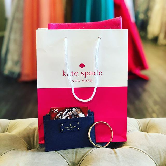 IT'S GIVEAWAY TIME!  You know you definitely want to win this adorable @katespadeny wallet with a gift card from @coldstone and some sparkle! Here's how to win . . Follow @cs_prom and tag a friend below 👇🏻 every friend you tag is an additional entry! Winner will be picked Friday! #giveaway #katespade #whowantstowin #spokanedoesntsuck