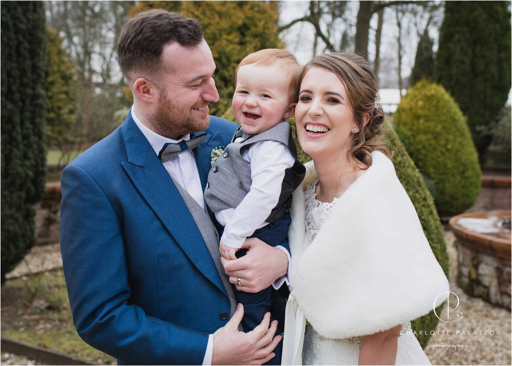 Kirst_Peter_Snowy_Nunsmere_Hall_Winter_Wedding_Cheshire_Photographer_0014.jpg
