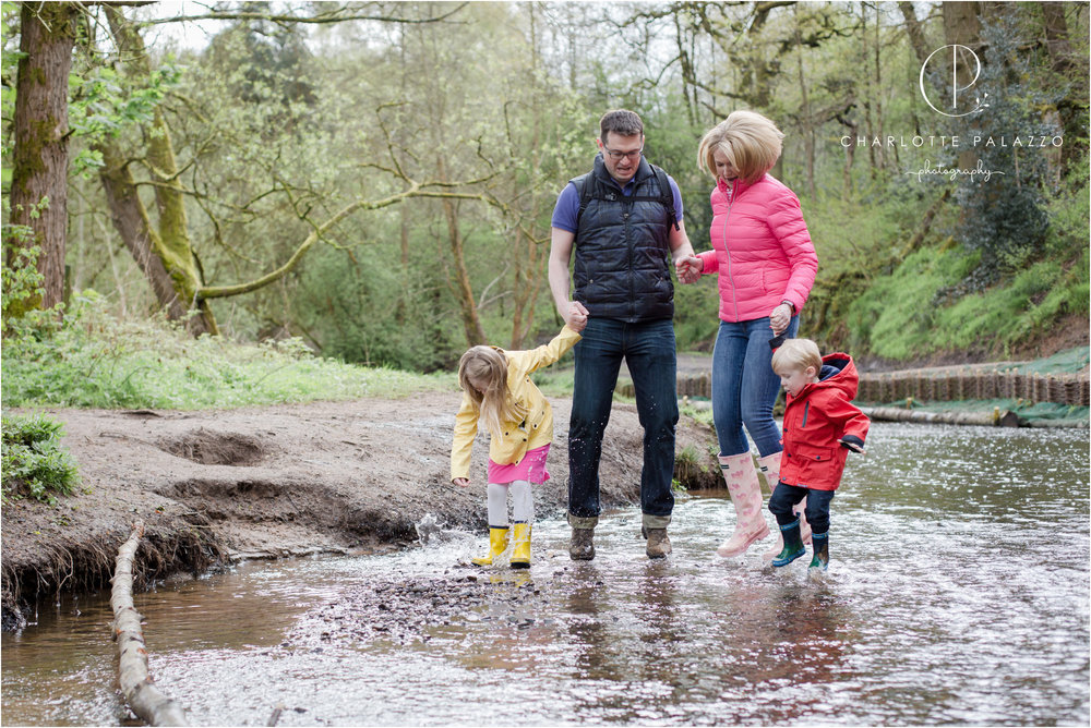 Outdoor_Family_Photographer_Cheshire_Wilmslow_Bramhall_Happy_Valley_0002.jpg